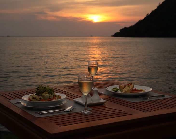 DINING IN A NATURAL PARADISE Koh Chang