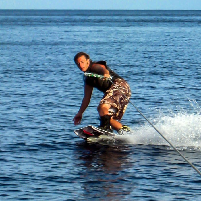 WAKEBOARD, WATERSKI