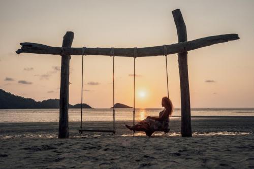 Iconic Swing